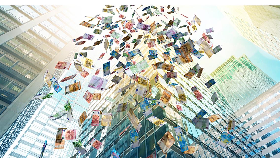 Geldregen Geldsegen Euro Geldscheine Geld fällt vom Himmel